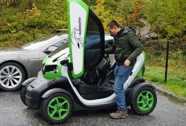 Renault: Twizy Electric Car(slowest car)