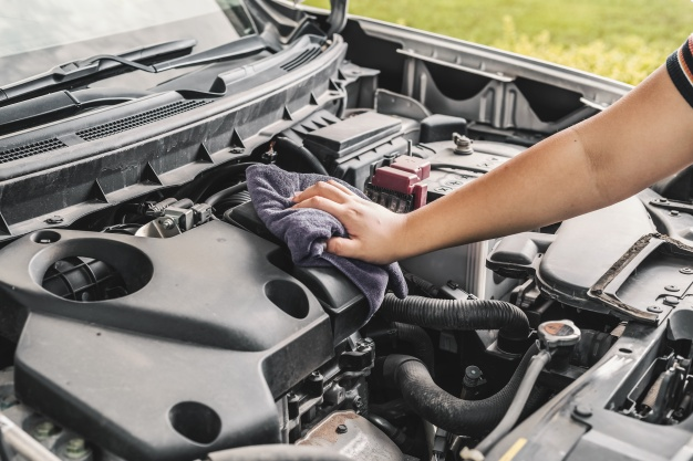 How to Clean Your Car Engine Inside 2